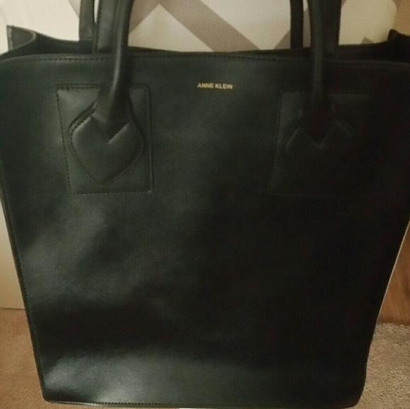 Anne Klein Handbags - Anne Klein purse and makeup bag